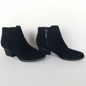 Blondo Black Villa Waterproof Ankle Bootie 6.5